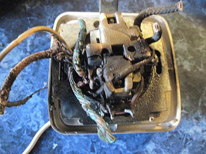 противотуманные при замыкании лампочки сгорел счетчик вакансии добавляются
